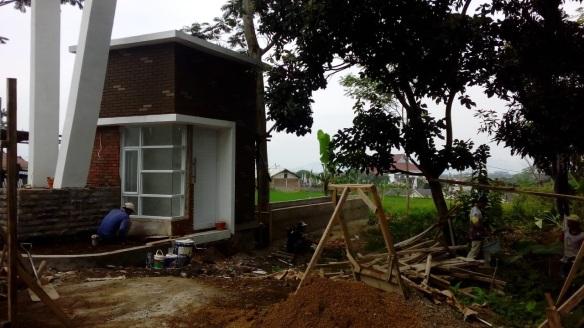 progres gate perumahan di bandung savana village soreang